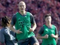 Bayern Muenchen Doha Training Camp - Day 2