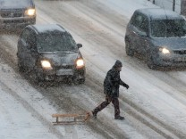 Heavy Snows Hit Northern Germany