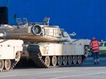 US-Streitkräfte entladen für Atlantic Resolve