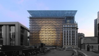 European Council's new Europa buidling / Egg in a cage