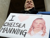 Bradley Manning / Chelsea Manning