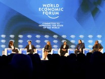 Overview of the session 'Preparing for the Fourth Industrial Revolution' at the WEF in Davos