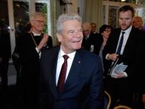 Tutzing: ev Akkademie Joachim Gauck und weitere Politprominenz