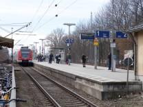 Treppen Bahnhof Lohhof