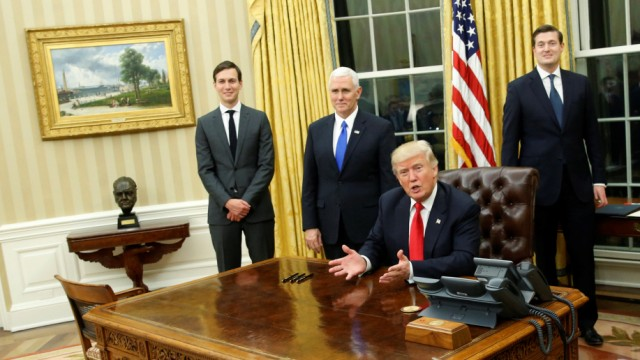Donald trumps erster tag im oval office politik süddeutsche.de