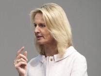 Dr Ariane REINHART Mitglied des Vorstands Personal Arbeitsdirektorin Dirk NORDMANN Aufsichtsra