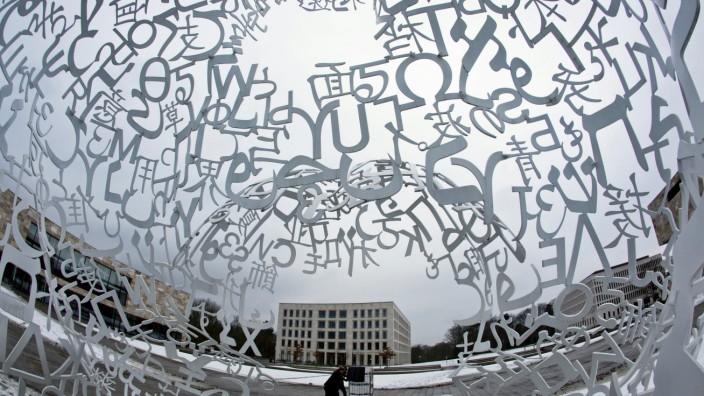 Skluptur auf Frankfurter Uni-Campus