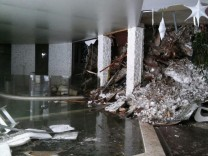 Nach Erdbeben in Italien - Lawine verschüttet Hotel