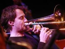 Bruck: JAZZ FIRST - Root 70 - Nils Wogram