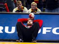 Andreas Wolff Nr 33 Deutschland nach der Niederlage und dem Ausscheiden aus dem Turnier Deutsch