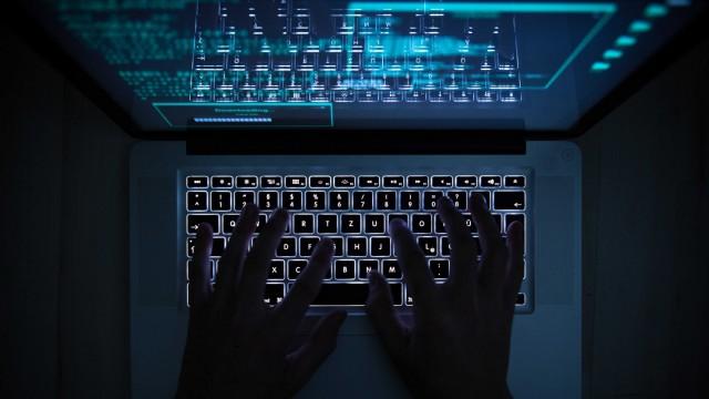 Illustration - Computer-Hacker