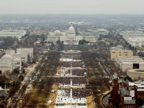A Picture and Its Story: Crowd controversy: The making of an Inauguration Day photo