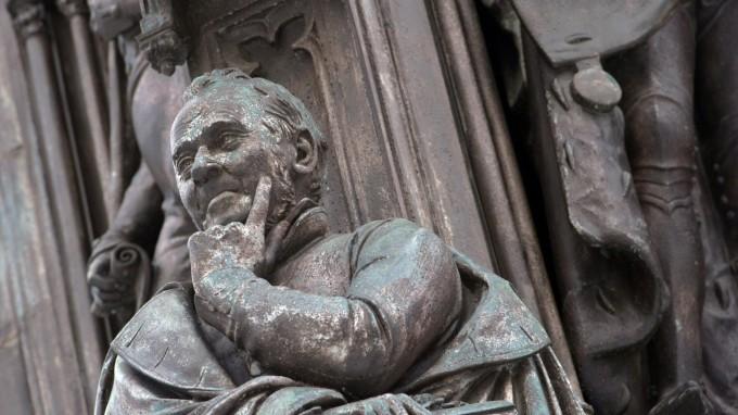 Ernst Moritz Arndt - die Statue bleibt, der Name muss weg. (Foto: dpa)