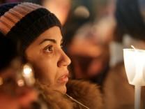 Gedenkveranstaltung für Opfer des Moschee-Attentats in Québec