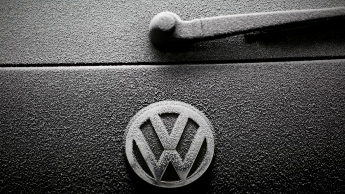 FILE PHOTO:  Snowflakes are seen on the badge of a Volkswagen car in Warsaw