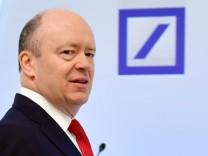 Deutsche Bank: Chef John Cryan bittet um Entschuldigung