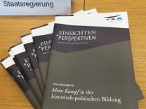 """´Mein Kampf""""-Ausgabe im Schulunterricht"""