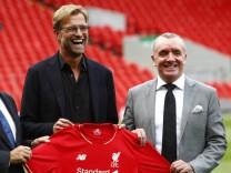 09 10 2015 Anfield Liverpool England Jurgen Klopp Unveiling Jurgen Klopp poses on the Anfield p