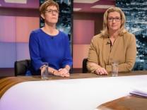 Annegret Kramp-Karrenbauer (CDU) und Anke Rehlinger (SPD)