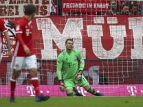 Football Soccer - Bayern Munich v Schalke 04