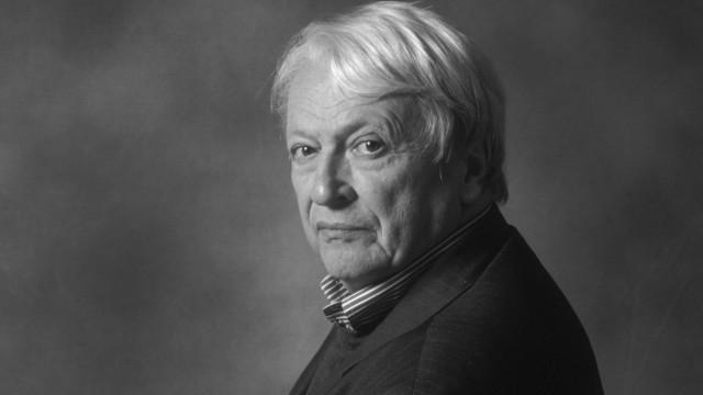 2004 Portrait of Predrag Matvejevic Writer AUFNAHMEDATUM GESCHÄTZT PUBLICATIONxINxGERxSUIxAUTxHU; Predrag Matvejevic