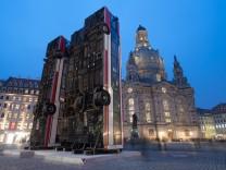 """Skulptur ´Monument"""" in Dresden"""