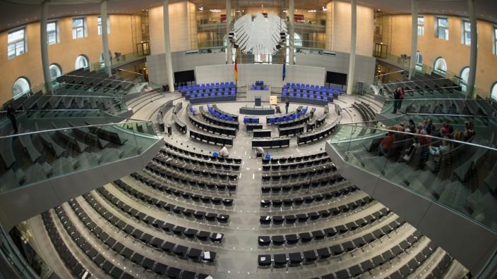 Im Reichstag wird gearbeitet