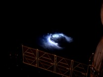 Blaue Blitze im Weltall