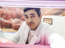 Taufkirchen, Lebensmittelladen in der Eschenpassage, Naiem Mahmodi kurz vor Abschiebung
