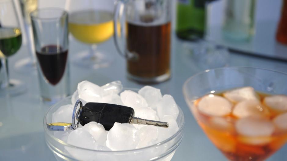 Auto fahren und Alkohol passen nicht zusammen
