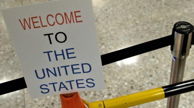 Einreise nur gegen Smartphone-Passwort - in den USA kein Einzelfall. (Foto: AFP)
