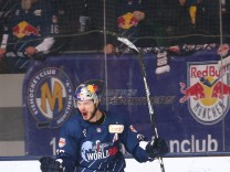 Ice hockey Eishockey DEL RB Muenchen vs Wolfsburg MUNICH GERMANY 10 FEB 17 ICE HOCKEY DEL D