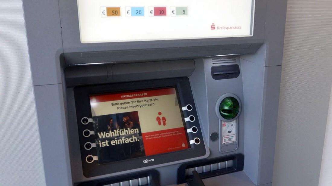 Bankautomat Schluckt Geld Ohne Gutschrift Auf Dem Konto Landkreis