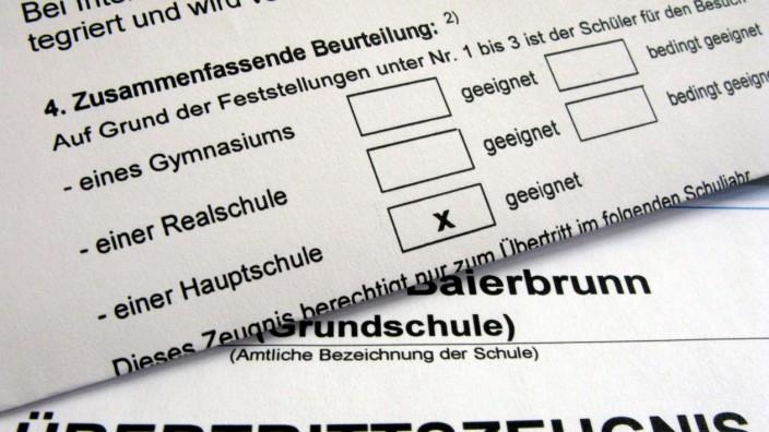 Übertrittszeugnisse für 120 000 Grundschüler in Bayern