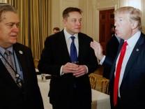 Donald Trump, Elon Musk, Steve Bannon