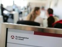 """´Es geht in die Zukunft"""" - Jobcenter stellen auf E-Akte um"""