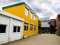 container Gymnasium Vaterstetten Sanierungsbedürftig.