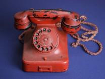 Reisetelefon von Adolf Hitler wird versteigert