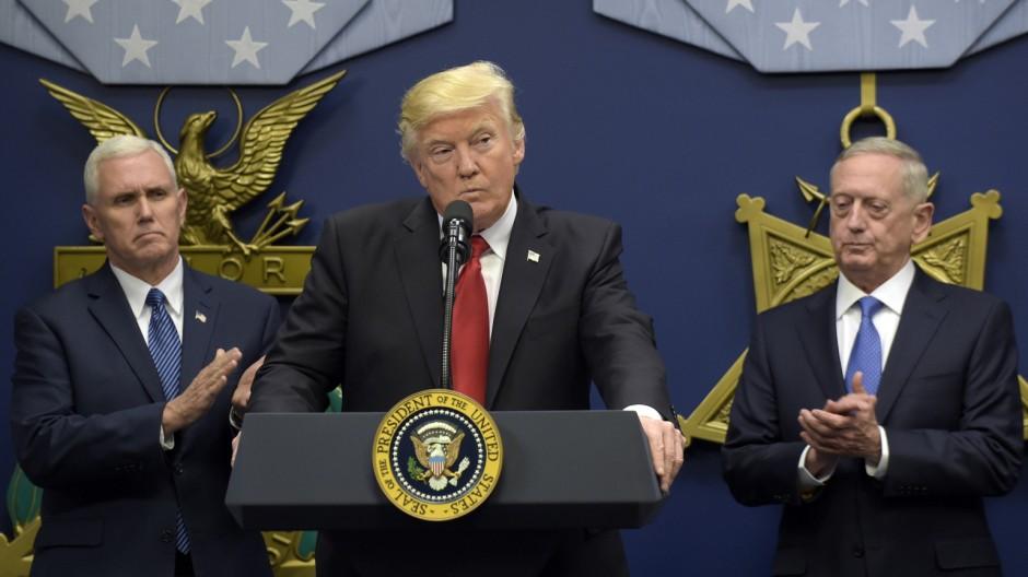 Donald Trump, Mike Pence, James Mattis