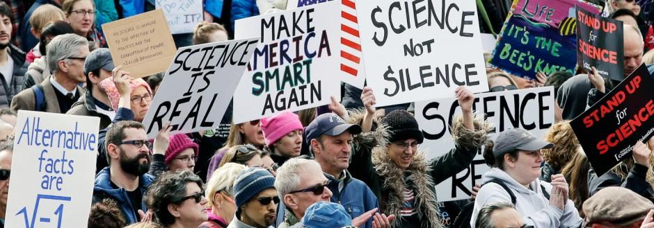 Wissenschaftler demonstrieren gegen Trump
