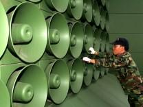 Entspannung in Korea- Abbau von Lautsprechern