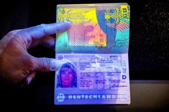 Neuer Reisepass vorgestellt