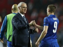 Leicester City's Jamie Vardy and Leicester City manager Claudio Ranieri after the match
