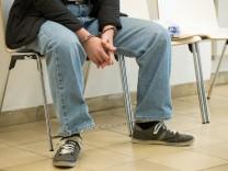 Beginn Prozess wegen schweren Raubes in vier Fällen
