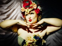The Petits Burlesque Fours Show