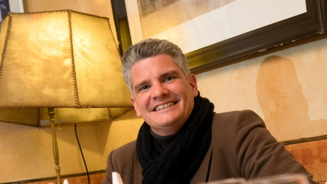 Sebastian Schönwalder, Gewinner des perfekten Dinners, fotografiert im Restaurant Da Angelo, Franz-Josef-Straße 48