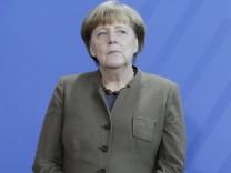 Bundeskanzlerin Angela Merkel Deutschland Berlin Bundeskanzleramt Präsentation der 2 Euro Gedenk