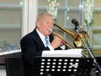 Fritz Lohmeier, Ebersberger Musiklegende, 80. Geburtstag, mit den Piccolos und Martina Eisenreich