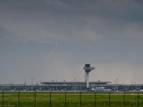 Gewitter über Hauptstadtflughafen