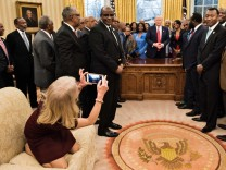 Kellyanne Conway, Donald Trump, Oval Office